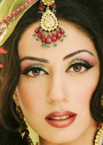 Art of Dressing up Makeup for Face-Eyes-Lips Complete Tips-9