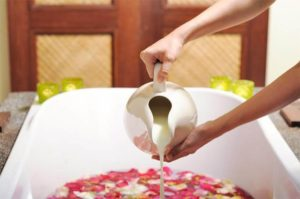 Milk Bath the Global Old Beauty Ritual for Beautiful Silky and Fair Skin
